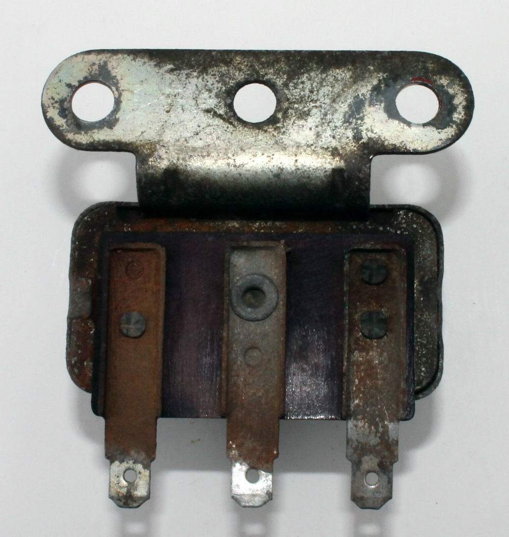 1964 Datsun 320 Horn Relay - 1 PC